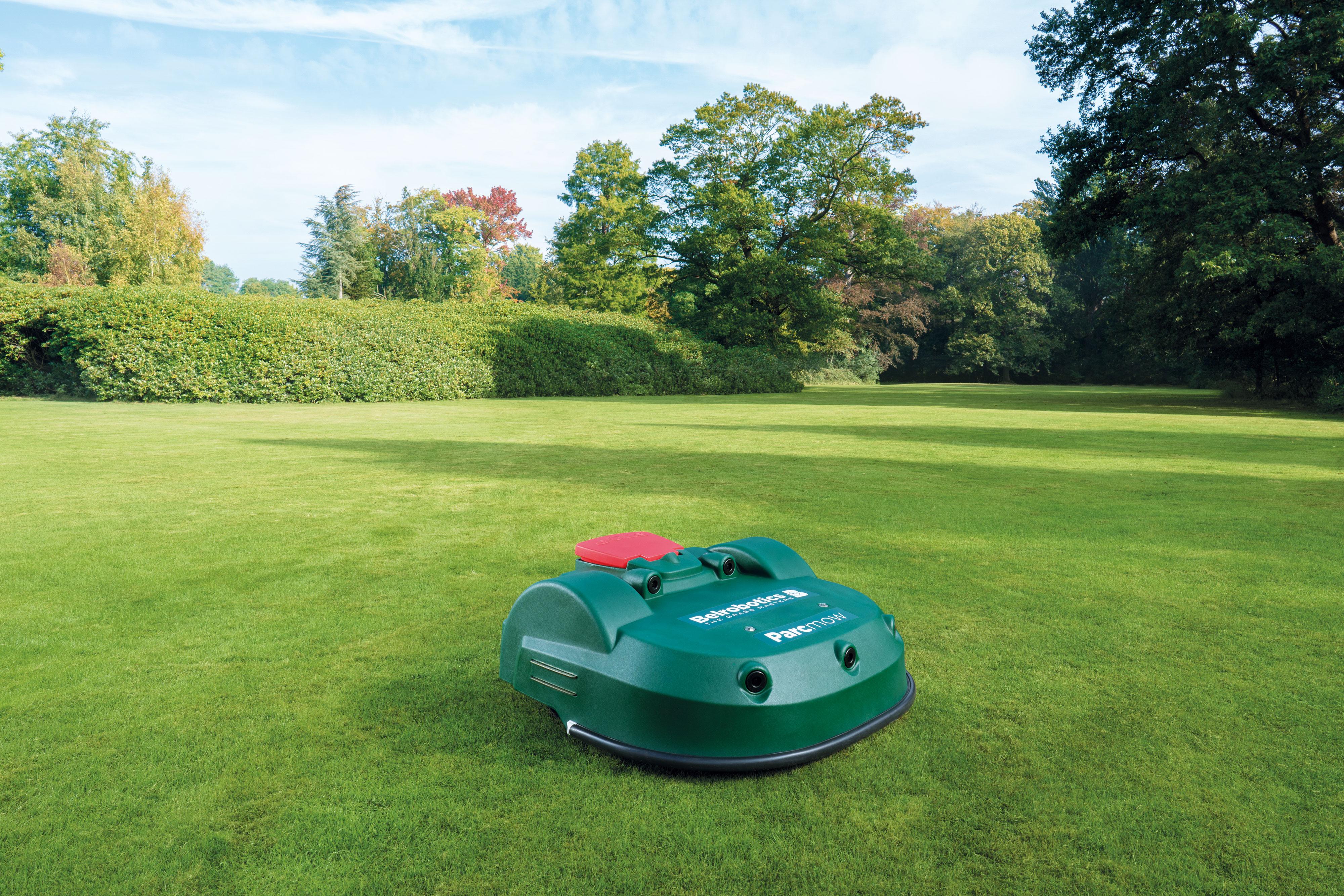 Wide area robot mower, a sizeable advantage