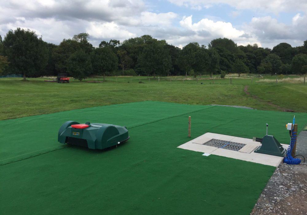 Die automatischen Golfplatzrasenmäher: Erfahrungsbericht des High Legh Park Golf Club.
