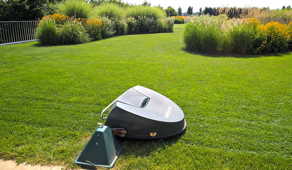 Robotic mower: how to choose one?