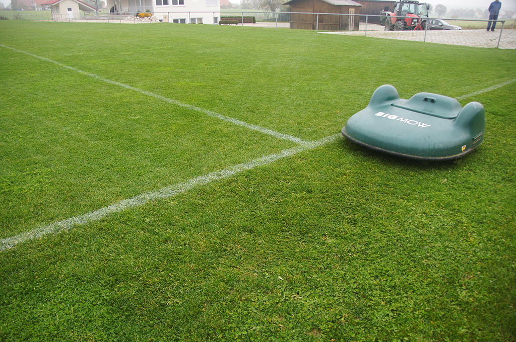 Football pitch maintenance: the robot revolution!